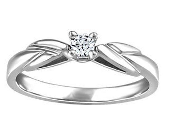 Image sur Bague en or blanc avec un diamant